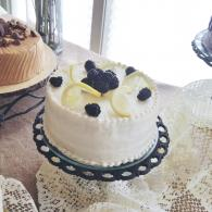 Lemon blackberry cake with butter cream icing