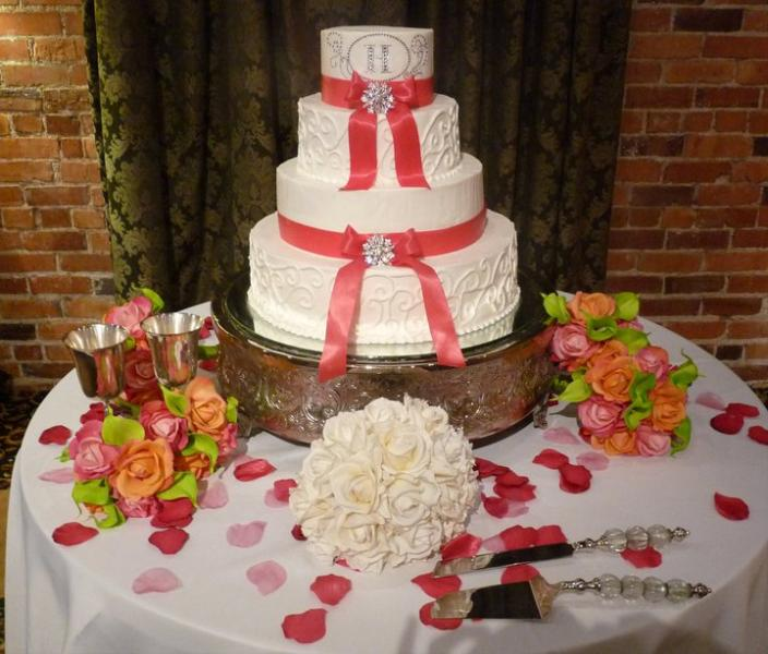 [Image:  Brides cake at 129 Coosa in Montgomery]